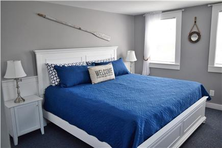 Barnstable, Coast of Hyannis Cape Cod vacation rental - Large Master bedroom with a new king bed & mattress.