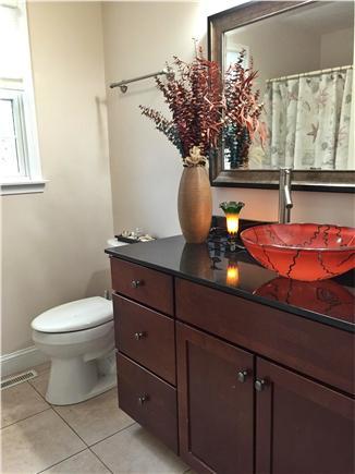 Bayside of Eastham Cape Cod vacation rental - Bathroom