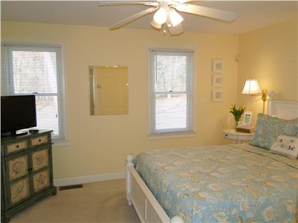 Mashpee, Popponesset Cape Cod vacation rental - Main floor queen - television, ceiling fan