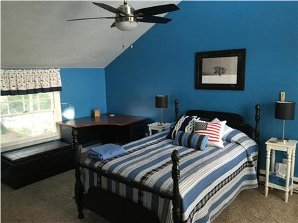 Bourne, Pocasset Cape Cod vacation rental - Full size bed w/A/C & 2nd floor private deck