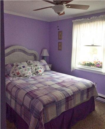 Bourne, Pocasset Cape Cod vacation rental - Quaint Queen bedroom with cottage decor & ceiling fan