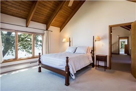 Duxbury MA vacation rental - Queen size guest room With Bath & water view