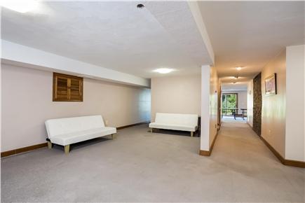 Duxbury MA vacation rental - Lower level with twin futons