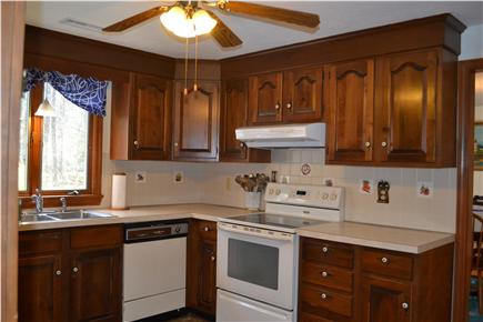 Dennis North Side Cape Cod vacation rental - Kitchen