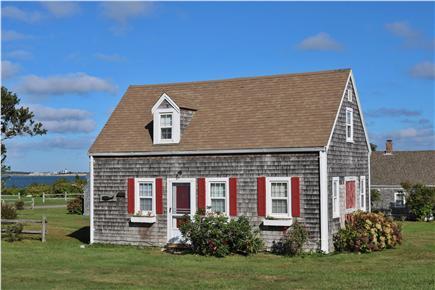 Barnstable, Cummaquid Cape Cod vacation rental - Cozy Cottage with a incredible views
