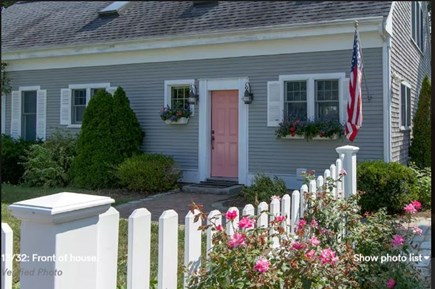 Pocasset, Bourne Pocasset vacation rental - Charming front entrance (has electronic key panel)
