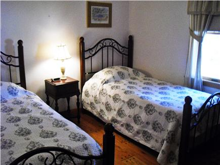 N. Falmouth-Wild Harbour Estat Cape Cod vacation rental - Twin Bedroom with new twin beds.