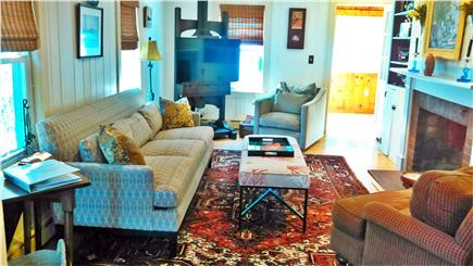 Cotuit Cotuit vacation rental - Living room w/Pull out F/Q Couch