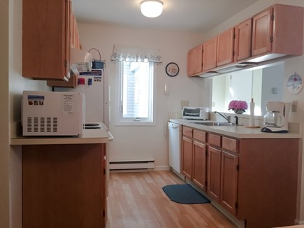 Brewster Cape Cod vacation rental - Fully equipped gallery kitchen w/brand new range