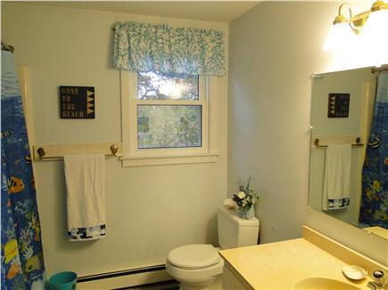 Chatham, Ridgevale Beach Cape Cod vacation rental - Full main floor bathroom with tub and shower