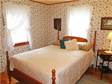 South Chatham Cape Cod vacation rental - New! Soft & sweet- double bed in sunny front bedroom