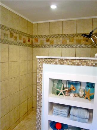 Centerville Centerville vacation rental - Large Shower