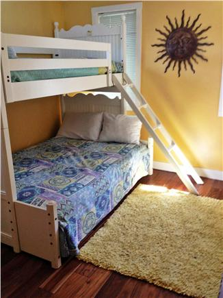 Falmouth Cape Cod vacation rental - Bedroom - Full below with up top