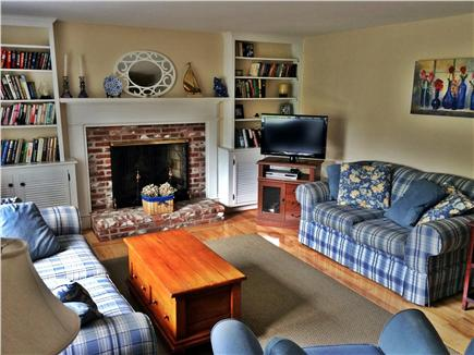 East Harwich, Pleasant Bay Cape Cod vacation rental - Sunny living room