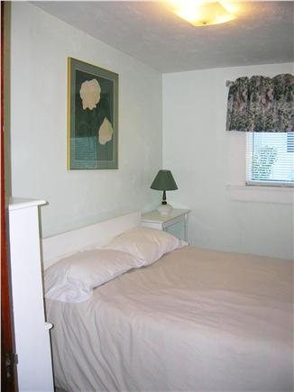 Swift's Beach, Wareham MA vacation rental - Middle Bedroom with full bed