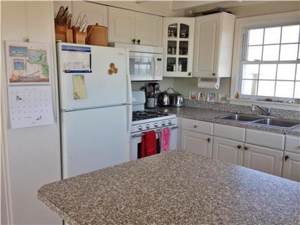 West Dennis,on the beach Cape Cod vacation rental - Kitchen