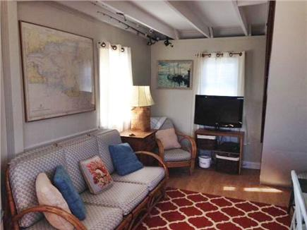 West Dennis,on the beach Cape Cod vacation rental - Living room