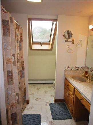 Brewster Cape Cod vacation rental - Upstairs Guest Bathroom