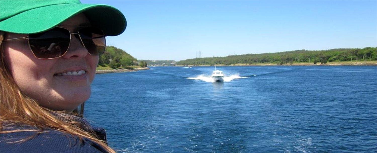We don't always take time to visit the more touristy locations, events, and hang-outs, but when our family came for the Father's Day weekend, we made a stop just over the Bourne Bridge to go on the Cape Cod Canal Cruise.