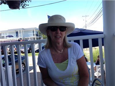 profile photo for Maureen Robbins