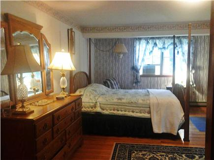 West Tisbury, Longview Community Martha's Vineyard vacation rental - Master en suite with fireplace, full bath and a private deck