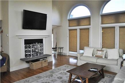 Katama - Edgartown, katama Martha's Vineyard vacation rental - Great Room HD TV, Cable, DVD, WiFi