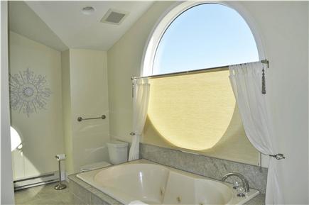 Katama - Edgartown, katama Martha's Vineyard vacation rental - Jacuzzi tub in Master bath