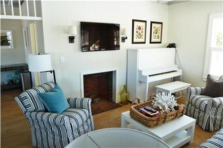 Oak Bluffs Martha's Vineyard vacation rental - Bright and airy Living room