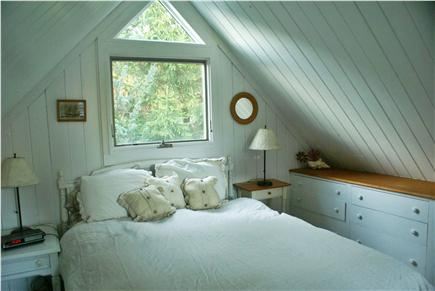 Oak Bluffs, Waterview Farm Martha's Vineyard vacation rental - Loft bedroom over kitchen and dining alcove