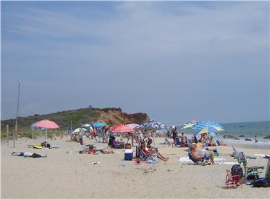 85 Tea Lane, Chilmark Martha's Vineyard vacation rental - Lucy Vincent Beach in August