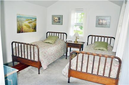 Edgartown Village Martha's Vineyard vacation rental - Twin Bedroom on first floor