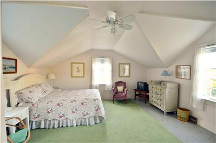 Edgartown Village Martha's Vineyard vacation rental - Upstairs Queen bedroom