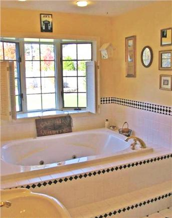 Katama - Edgartown, Edgartown Martha's Vineyard vacation rental - Master tub