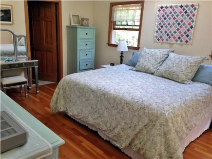 Edgartown, Dodger's Hole Martha's Vineyard vacation rental - Master bedroom with king size bed