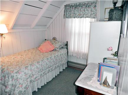 Oak Bluffs Martha's Vineyard vacation rental - One of two single bedrooms upstairs