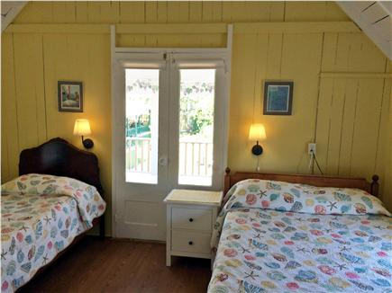 Oak Bluffs, Copeland Historic District Martha's Vineyard vacation rental - Yellow bedroom has twin and full size beds, private balcony.