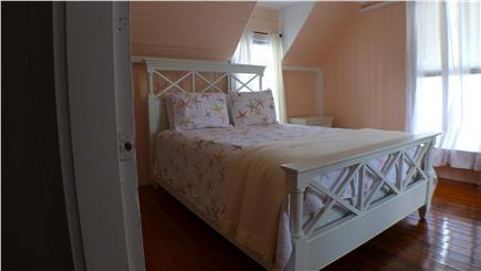 Oak Bluffs Martha's Vineyard vacation rental - 2nd Floor Queen Bedroom
