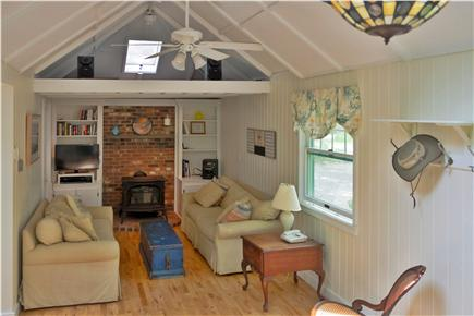 Chilmark Martha's Vineyard vacation rental - Living room