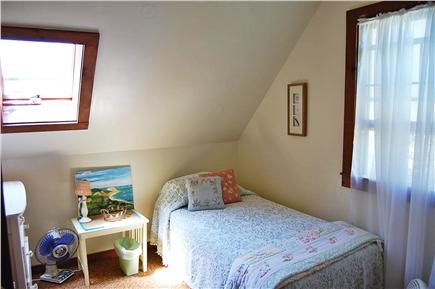 Oak Bluffs Martha's Vineyard vacation rental - Bedroom (2nd floor) with twin beds