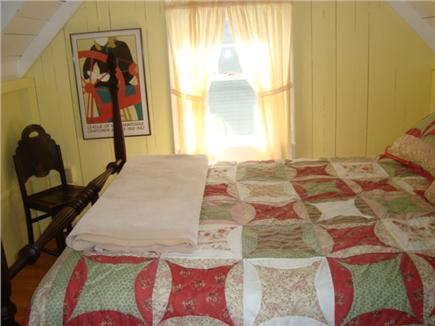 Oak Bluffs, Highlands Section of East Chop Martha's Vineyard vacation rental - Cheerful double bedroom upstairs