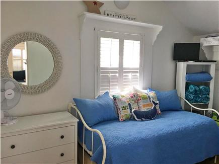 Siasconset, Sconset Nantucket vacation rental - Spare bedroom with twin trundle