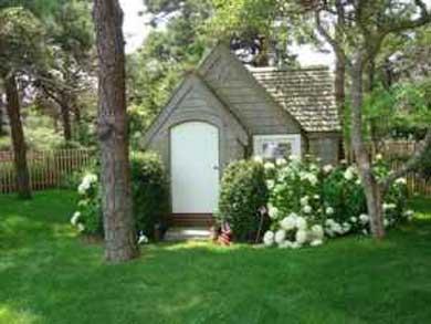 Mid-island, Edge of town Nantucket vacation rental - Playhouse
