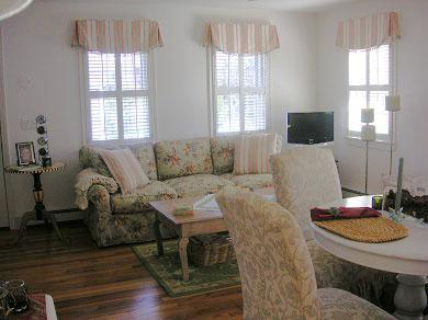 Nantucket town, Nantucket Nantucket vacation rental - Open, sunny living room/dining room