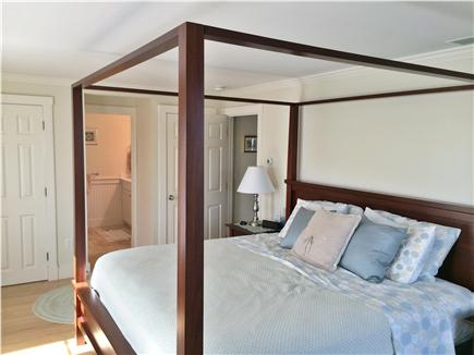 Nantucket town Nantucket vacation rental - Master bedroom (king bed)