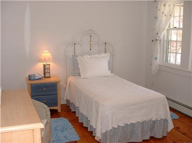 Siasconset Nantucket vacation rental - Bedroom with 2 twins and adjoining bath