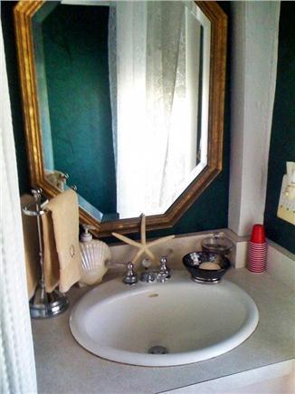 Nantucket town Nantucket vacation rental - Bathroom