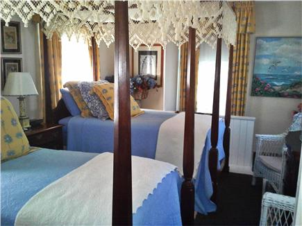 Nantucket town Nantucket vacation rental - Airy ''Back Bedroom''with 2 twin canopied beds,TV,AC, fan.