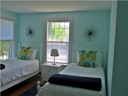 Mid-island, Naushop Nantucket vacation rental - Third bedroom with 2 twin beds