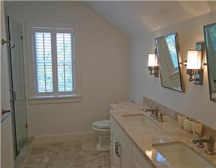 Nantucket town, Cliff Nantucket vacation rental - One of 4 en suite marble bathrooms