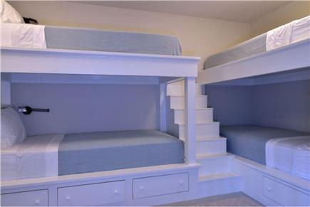 Nantucket town, Cliff Road Nantucket vacation rental - Bunkroom with 4 bunk beds